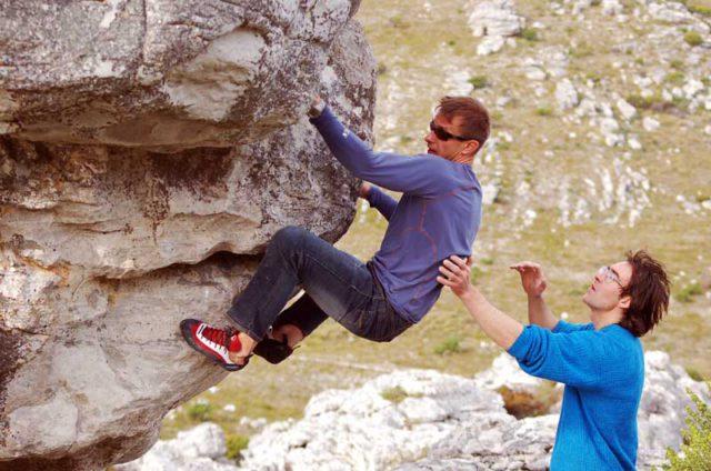Андрюха покоряет первый в своей скалолазной жизни боулдеринг в ЮАР.