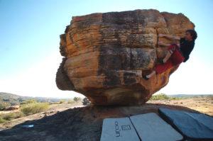 Камень 2 (боулдеринг 6В+).
