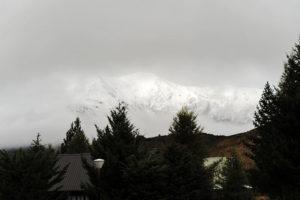 В апреле здесь периодически выпадает снег.