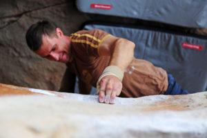 На третий день лазанья подряд по песчанику практически не осталось кожи на пальцах.