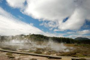 Поблизости находятся и Лунные кратеры - Craters of the Moon (Geothermal Walk).