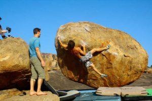 На одном камне, носящем незатейливое название «Boulder №8», вылезаем 6В, 6С, 7А, 7А+.