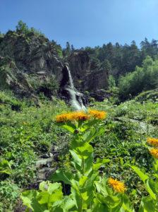 Баритовый водопад. 2073 метра над уровнем моря.